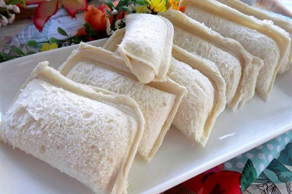 Tự làm bánh sandwich sữa chua tại nhà siêu đơn giản
