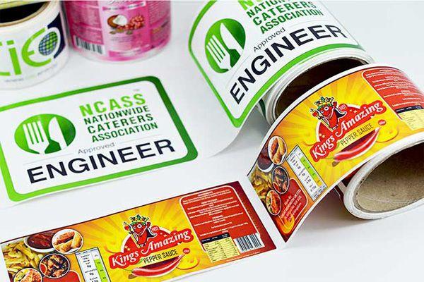 Dán nhãn hàng hóa giúp sản phẩm dễ nhận diện hơn