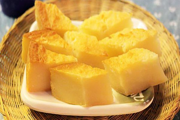 Bánh khoai mì nướng đậu xanh là món ăn dễ ăn, phù hợp cho bữa sáng hay bữa nhẹ xế chiều.