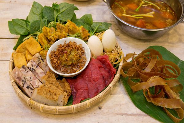 Cách nấu lẩu vịt lộn ngon bổ dưỡng tại gia